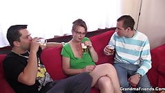 Two guys enjoy fucking hot old women