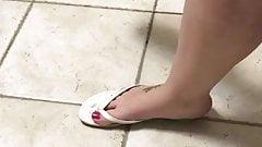 My feet in flip flops inblu
