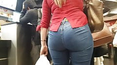 RICH BABE IN BLUE JEANS WOTH BIG ASS - PART 1