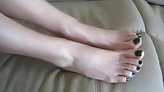 Sexy green toenails, foot tease