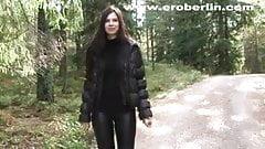 Eroberlin leggings fetish long hair lange haare teen walking