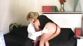 Sexy Italian Mom Gets Deep Dick