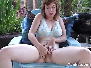 Yanks Twila Moon's Tasty Twat