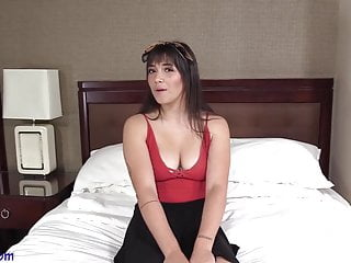 Download video bokep 19 Year Old college girl Veronica pays the bills with sex Mp4 terbaru