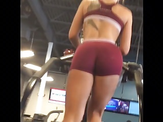 FLAWLESS Girl WORKING out at the Gym