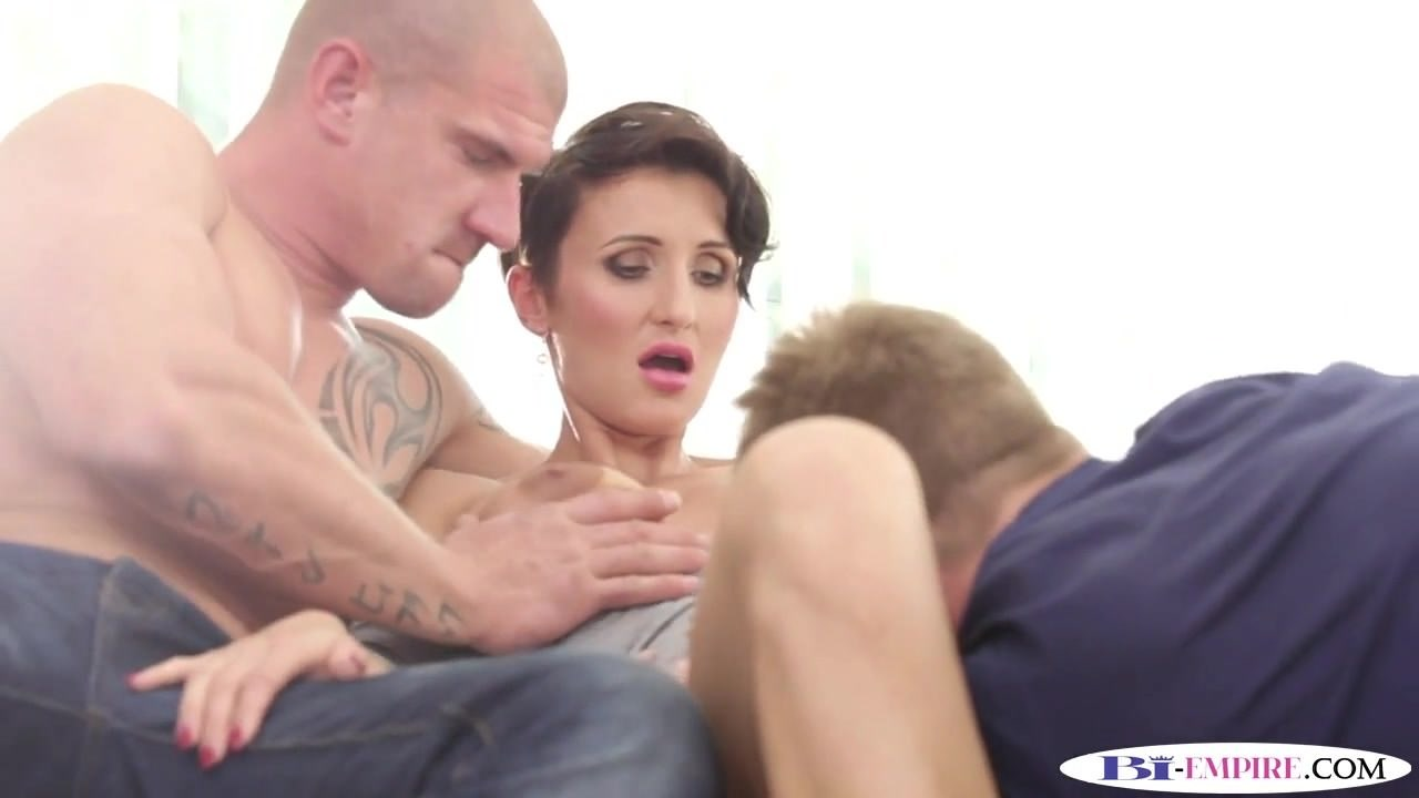 bisexual mmf threeway stud gets mouth jizzed: free porn a4