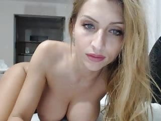 Blonde Euro Women Plays On Cam
