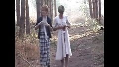 Sara Et Jade Dans Les Bois