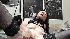 Kinky mature masturbating on webcam