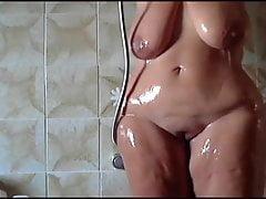 Huge bbw shower boobs