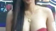 she show her boobs dance.mp4's Thumb