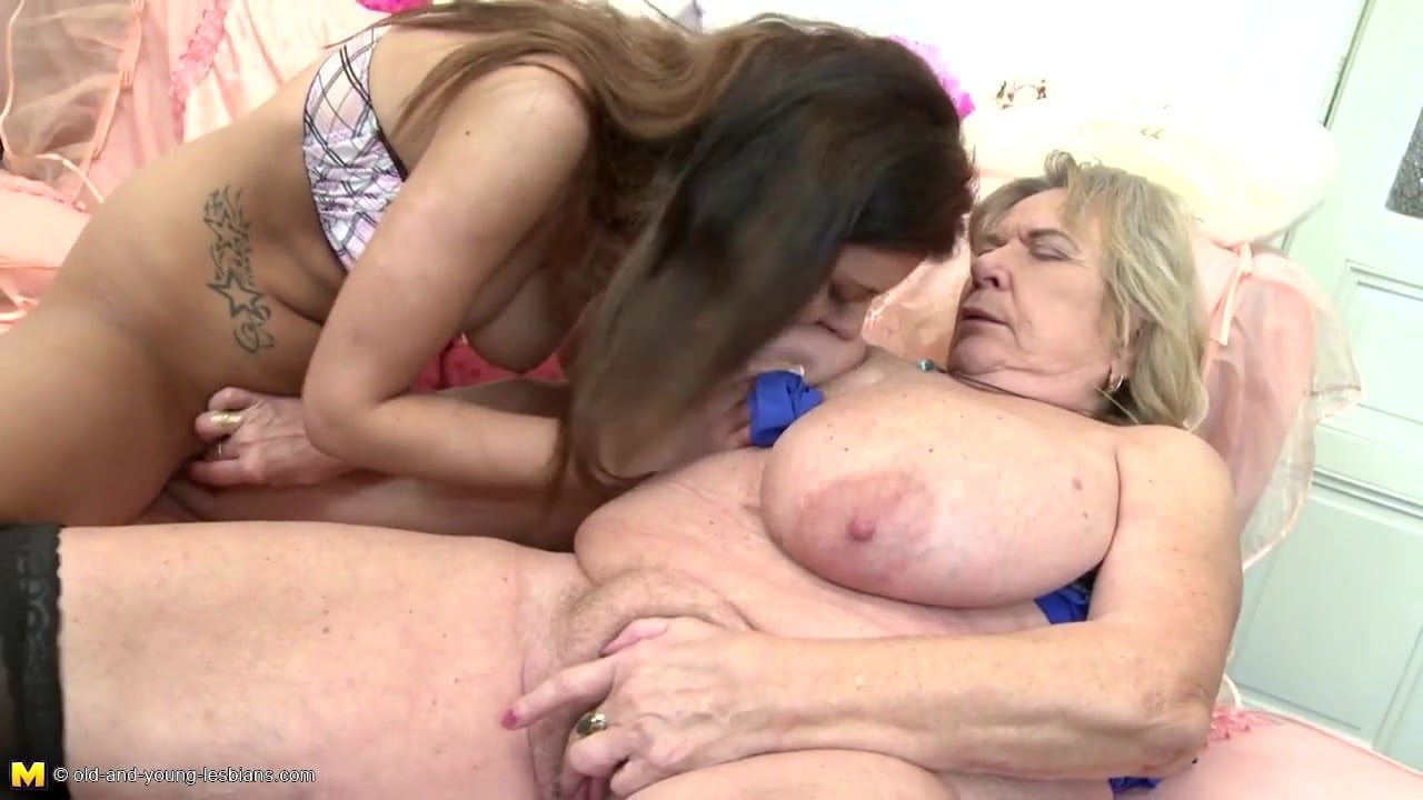 Granny With Supersized Huge Saggy Tits Fuck Teen Girl-1242