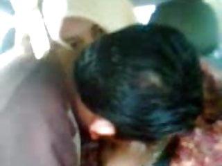 Download video bokep jilbab di mobil Mp4 terbaru
