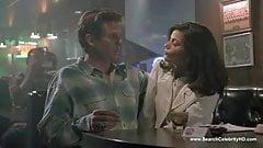 Linda Fiorentino nude - The Last Seduction (1994)