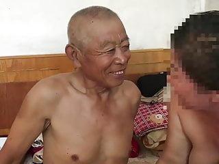 Download video bokep muted Chinese old man fucking grandma Mp4 terbaru
