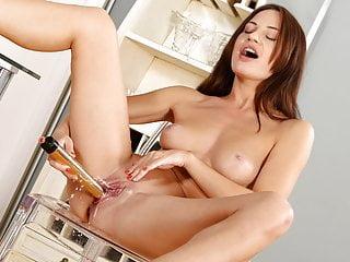 Wet Porn - Lana Ray pees her leggings and fucks a vibrator
