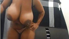Massive autodrip lactating  webcam TITS- She is a classic!