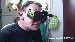 Cuckold notgeiler Vater schauz zu wie Tochter gebumst wird