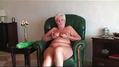 Nice granny showing nude in front cam