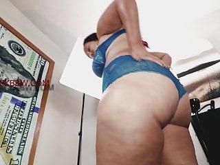 SEXY THICK REDBONE MILF