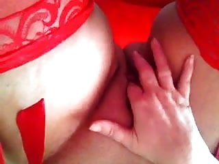 Standing up in my room, my pussy is squirting !