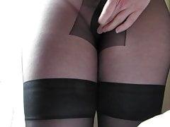 Cum on nylon crotch standing. Sborrata in piedi