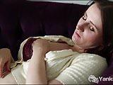Chubby Yanks Girl Aeryn Walker Masturbating