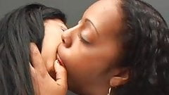 unstoppale deep kiss