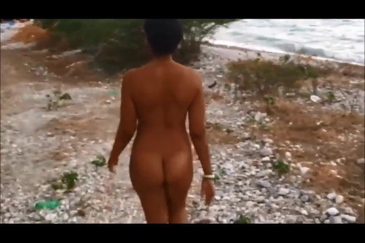 Free download & watch twerking nude in public beach         porn movies