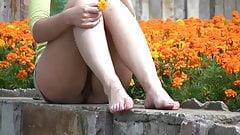 Upskirt in a park