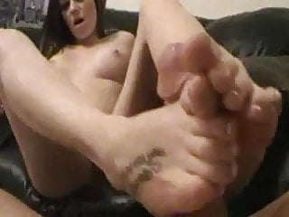 Hot Teen Jessie Footjob and Solecumshot