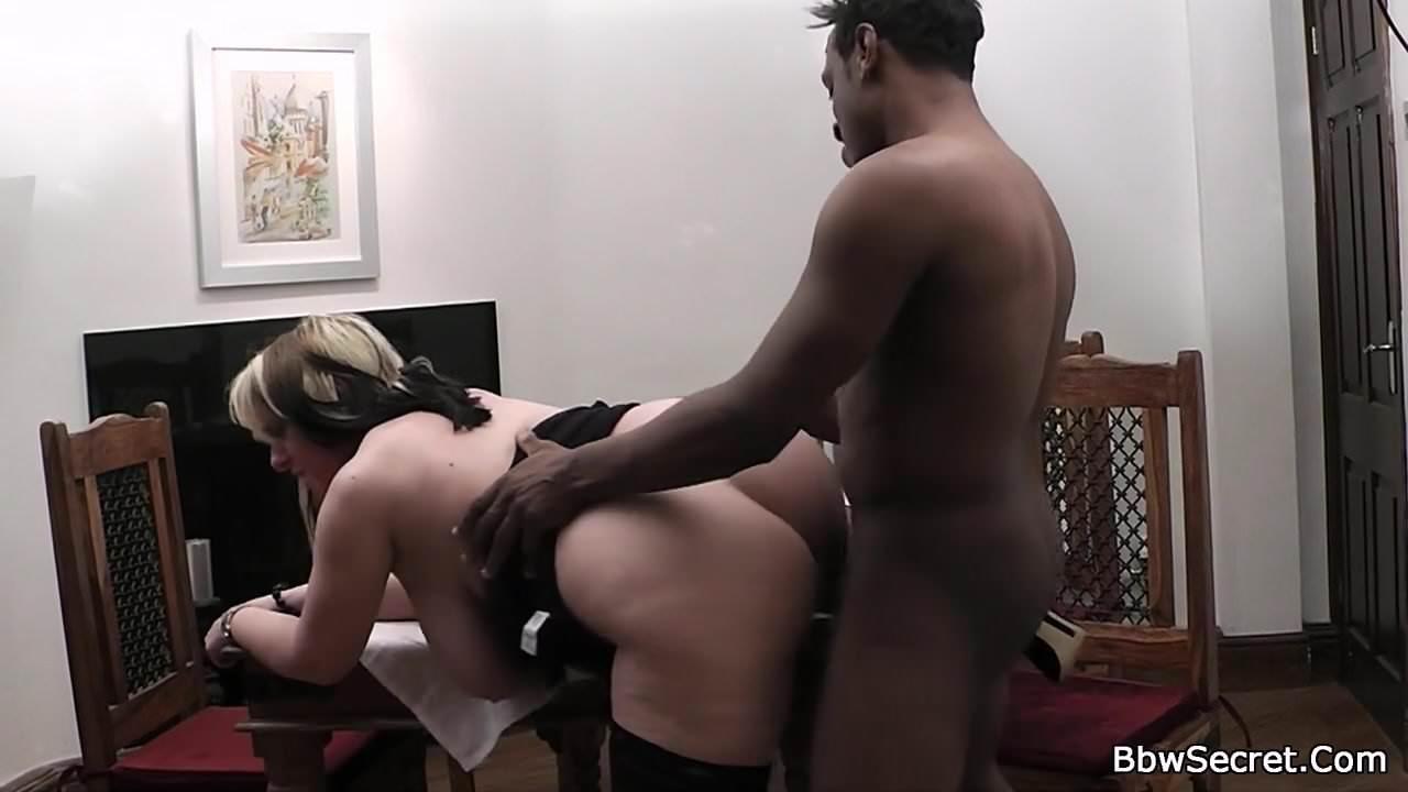 aroused trio sucking wangs on stairs