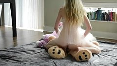 Teen blonde, hot solo and teddy bear!'s Thumb