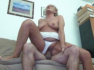 Download video bokep Old lady wants a hard cock! Mp4 terbaru