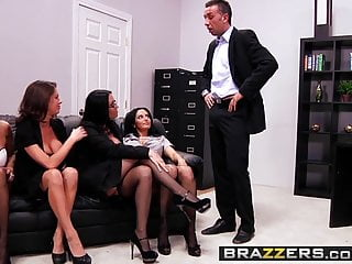 Download video bokep Ava Addams Francesca Le Vanilla Deville Veronica Mp4 terbaru