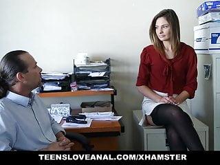 Secretaria Entregando El Culo Al Jefe - Shyla Ryder